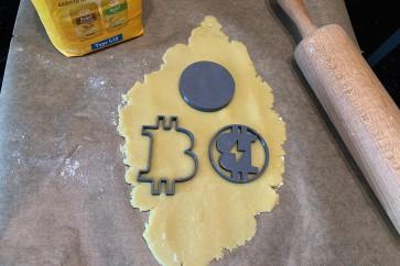 Bitcoin Ausstechform für Kekse 3er-Set